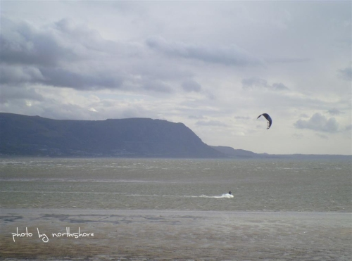 Picture of kitesurfing on the West Shore Llandudno