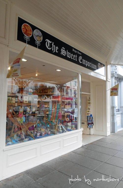 Peggy-Annes-Sweet-Shop-Llan