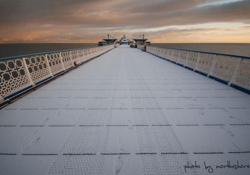Llandudno-Pier-in-snow